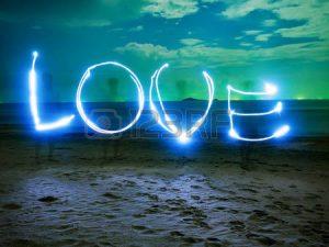 L'Amour Est un Mot de Lumière