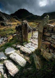 Le Paradis Est Là, Derrière Cette Porte