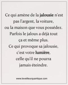 Ce Qui Amène de la Jalousie